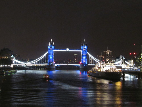 Royal baby: Tower Bridge turns blue and Shard offers free tickets