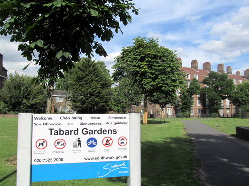 Tabard Gardens gains Green Flag award for first time