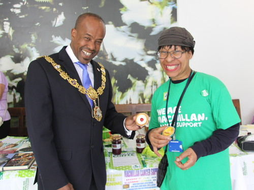 Southwark Mayor supports Macmillan charity coffee morning