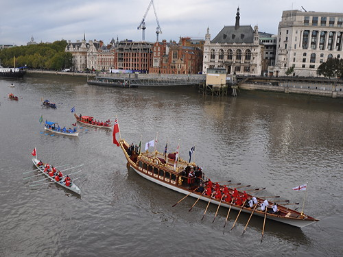 Lord Mayor's Show begins and ends on the Thames
