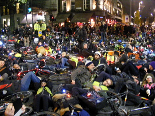 Hundreds of cyclists join 'die-in' outside TfL's Palestra offices