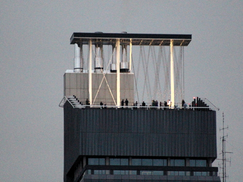 Light sculpture installed on roof of Guy's Hospital tower