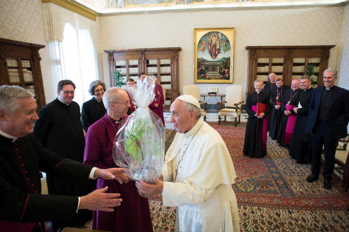 Cutting from Lambeth Palace fig tree presented to Pope Francis