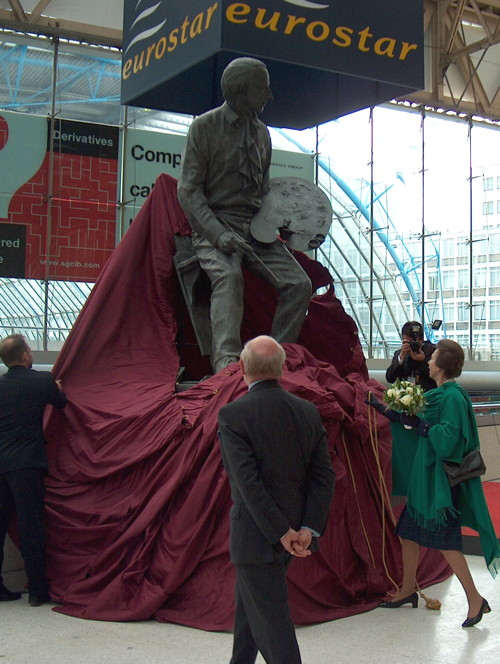 Terence Cuneo statue removed from Waterloo Station