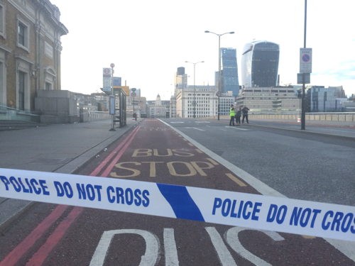 Cyclist killed in London Bridge collision