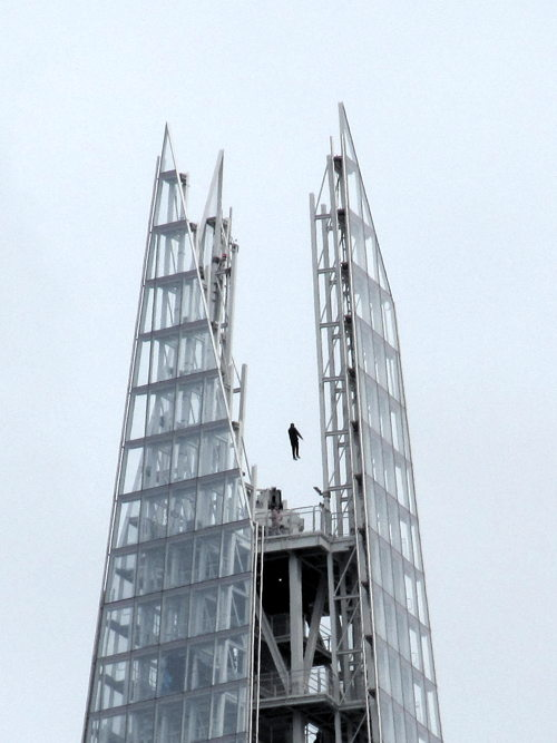 Magician Dynamo 'levitates' above the Shard