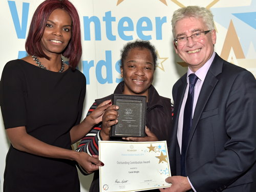 Carole Wright receives volunteering award from Peabody