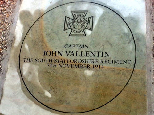 Lambeth-born John Vallentin VC honoured with paving stone