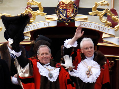 Lord Mayor's Show features Thames flotilla and Bermondsey choir
