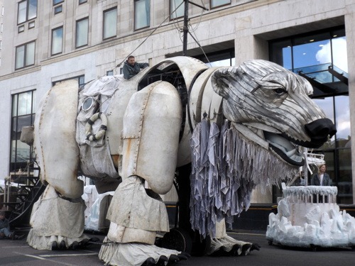Greenpeace brings giant polar bear to Shell Centre on South Bank