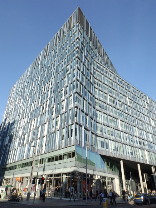 Southwark Street's Blue Fin Building sold for £415 million