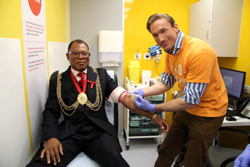 Dr Christian Jessen and Mayor of Lambeth promote HIV Testing Week