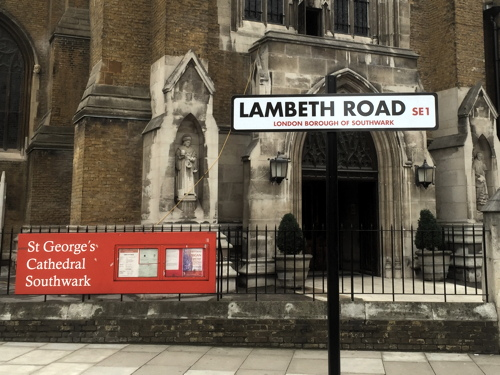 Lambeth Road: TfL puts up sign in wrong street