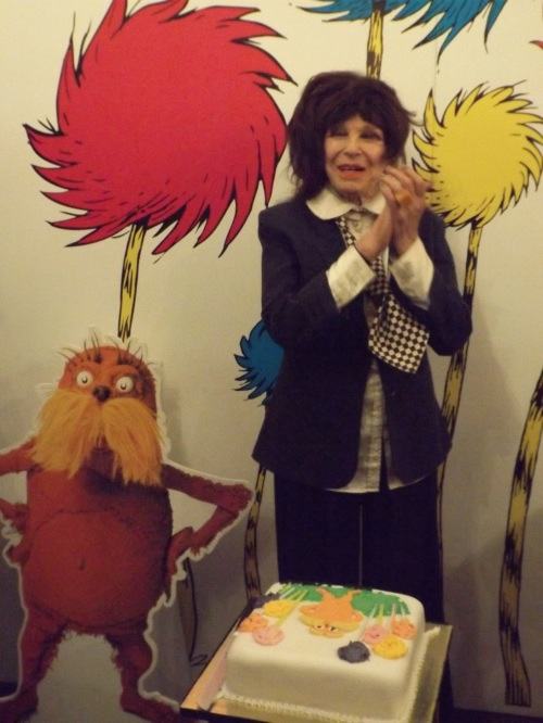 Fenella Fielding cuts Old Vic's Twelfth Night cake
