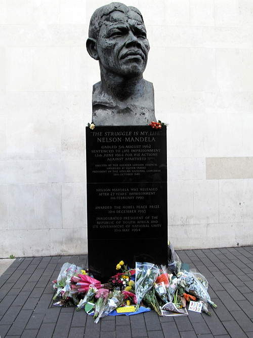 South Bank's bust of Nelson Mandela given grade II listed status