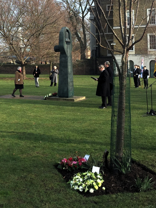 Southwark marks Holocaust Memorial Day in GMH Park
