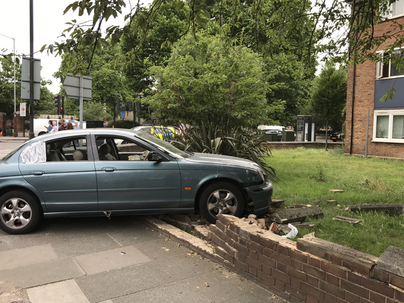 Driver arrested after crashing car into Abbey Street wall