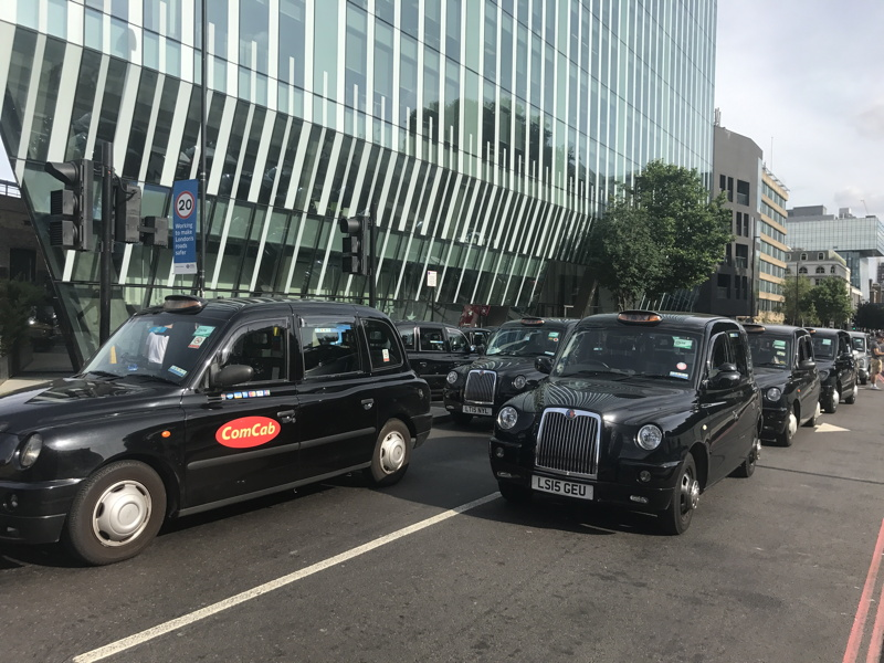 Taxi drivers shut Blackfriars Road during rush hour in TfL protest