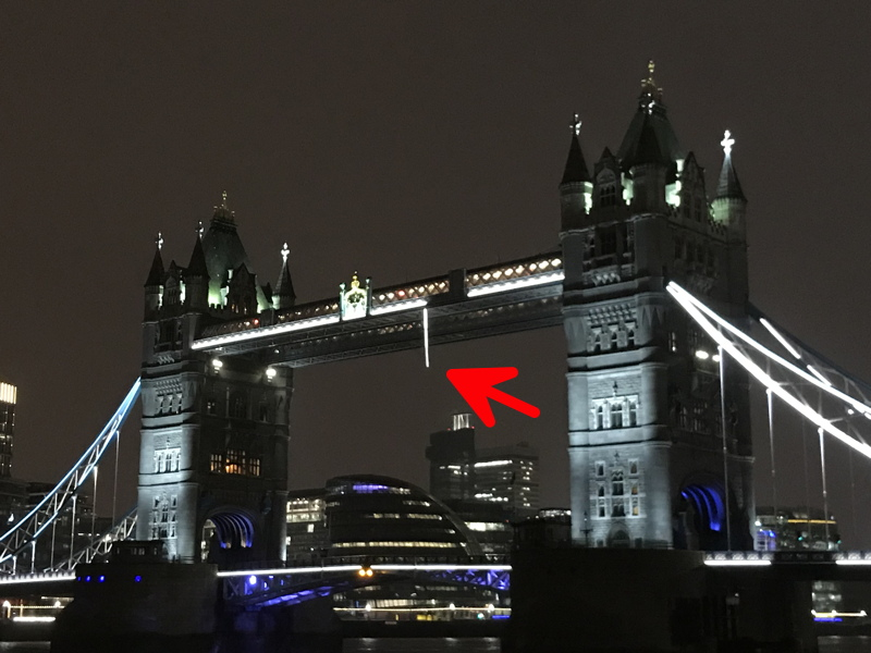 Tower Bridge closed after London 2012 lighting comes loose