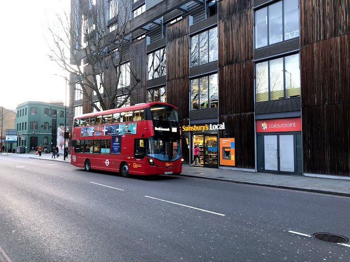 TfL to trial extended bus lane in Tower Bridge Road