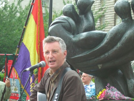Billy Bragg performed at the 2007 ceremony